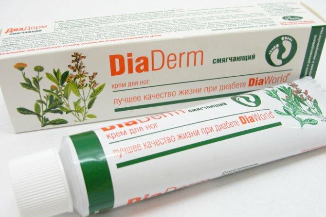 Крем Диадерм отлично помогает вылечить трещины на пятках